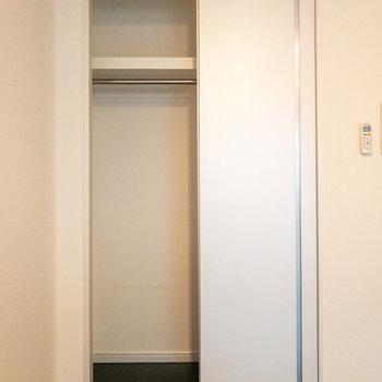 スライドドアのクローゼットです
