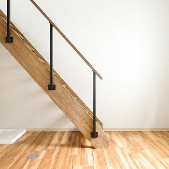 無垢床に木材の階段がまるで自然の中にいるような居心地にさせてくれます。(※写真は反転間取り別部屋のものです。)