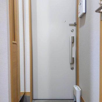 玄関はややコンパクトですが、※写真は前回募集時のものです