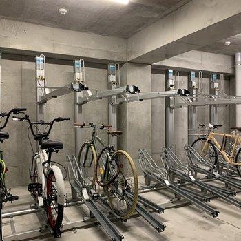 駐輪場は屋内なので自転車があまり汚れませんね