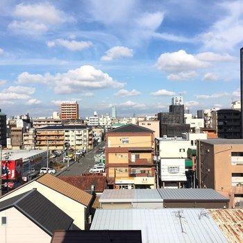 6階なので、青空が見えますよ。