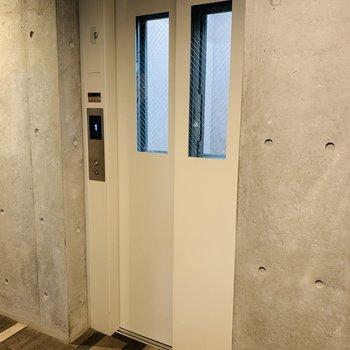 エレベーターありました♪
