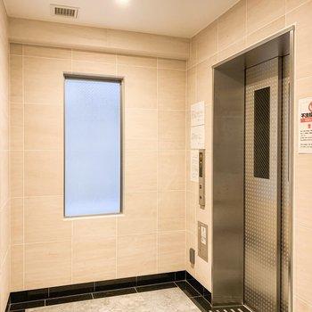 11階まではエレベーターです。