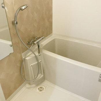 お風呂も1人なら十分なサイズ感です。