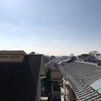 【LDK】空がたくさん見えて気持ちのいい眺望です。