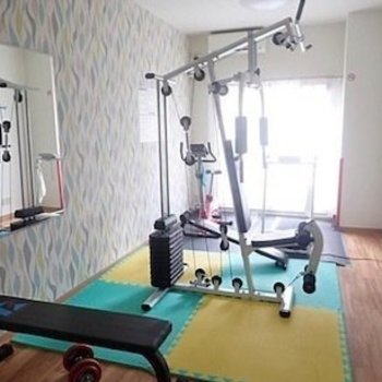 トレーニングルームで運動を日課にしよう♪