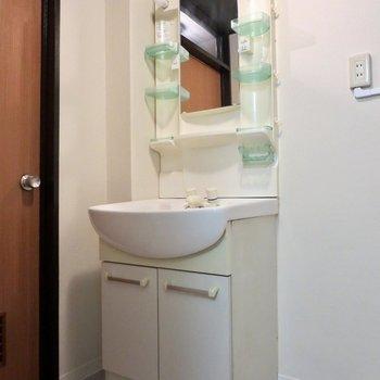 洗面台は収納が多いので使い勝手もよさそう※写真は前回掲載時のものです