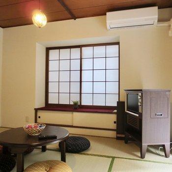 【和室】エアコンも付いているので快適に生活できそうです※写真の家具はサンプルです※写真は前回掲載時のものです