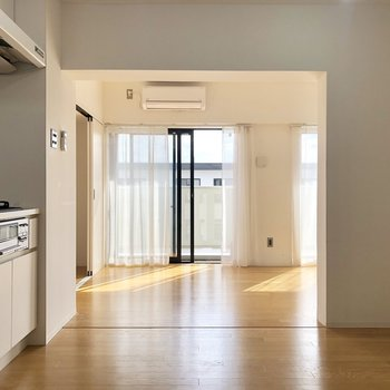 大きい食器棚も置けそうです。※写真は4階の同間取り別部屋のものです