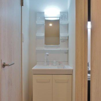 洗面台もあって嬉しい♪。※写真は、2Fの同タイプのもの