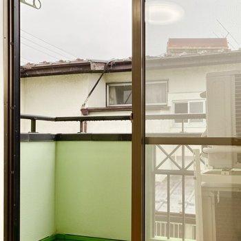 【洋室】若草色が可愛いですね。