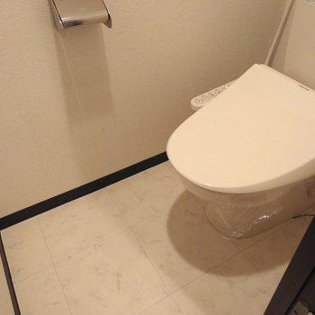 ウォッシュレット付きのおトイレ