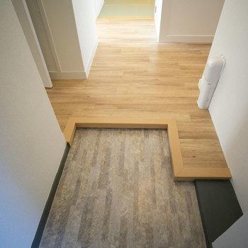 玄関はこちら。シューズクローゼットは好きなものをご用意ください。(写真は同間取りのモデルルームです)