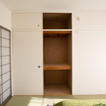 和室には、たっぷり押入れサイズの収納があります。(写真は同間取りのモデルルームです)