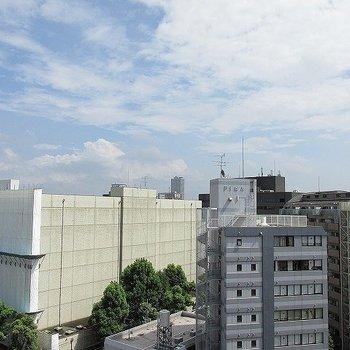 眺望は、なんといっても11階!!(※写真と文章は反転間取り別部屋のものです)