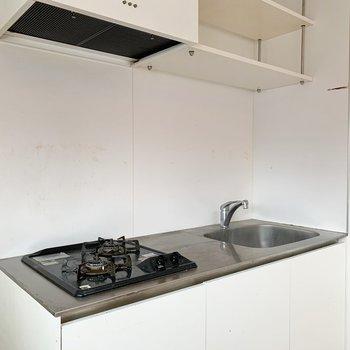上の棚がオープンなので、食品の残量がわかりやすいですよね。※写真はクリーニング前のものです