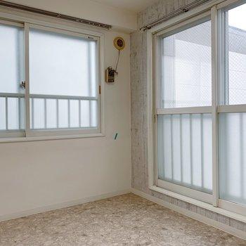 窓は大きめ◎ただ北西向きと北東向きで日当たりはやさしいかな