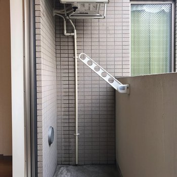 外干しもできますね※写真は2階の同間取り別部屋のものです