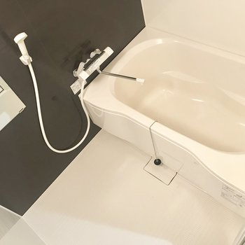 お風呂はすべて新品ですよ〜!