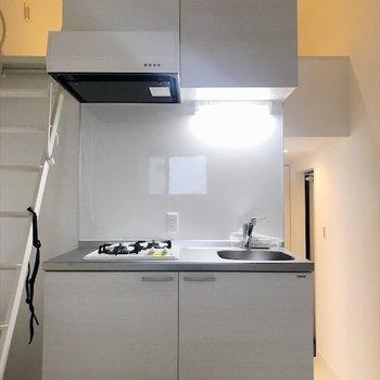 生活感のでない綺麗なキッチン。