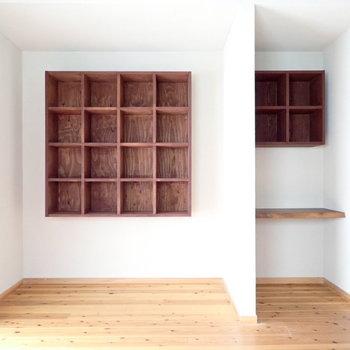 2階の収納。本棚やディスプレイに!