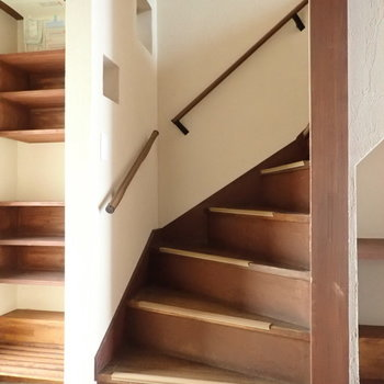 2階へ行きましょう!