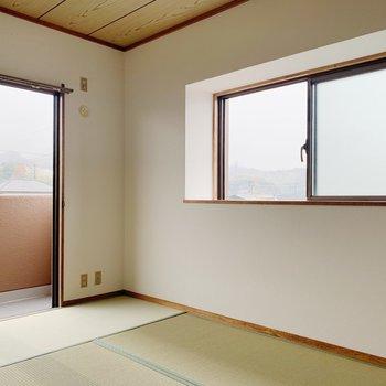 〈和室②〉窓が2つなのは角部屋の特権ですね◯お部屋がより明るくなります。
