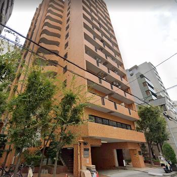1階に駐車場、2階は会社さんが入った大きなマンション!
