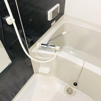 設備が充実したバスルームで素敵なバスタイムを。