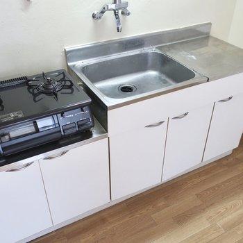 調理場スペースもしっかり確保!(※写真は5階の反転間取り別部屋のものです)