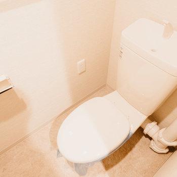 トイレはシンプルで綺麗です。