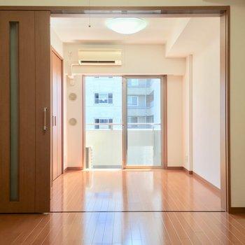 【D】振り返れば洋室。仕切りたい派さんへ♪※写真は3階の反転間取り別部屋のものです