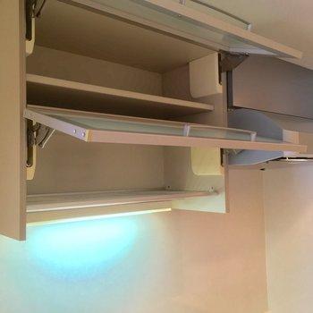 上部にはなんと水切り!便利〜※写真は3階の反転間取り別部屋のものです