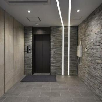 目の前のエレベーターで4階へ。