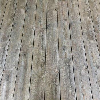 床はこちら♪。※写真は3階の同タイプのもの