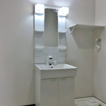 洗面所が広々してる!。※写真は3階の同タイプのもの
