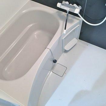 浴室乾燥付きです♪。※写真は3階の同タイプのもの