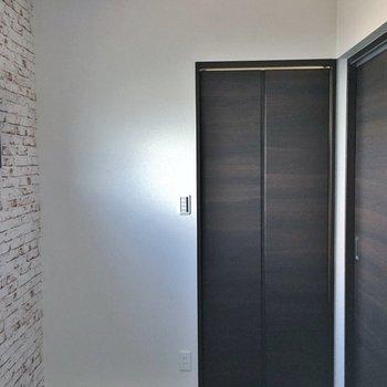 こちらは3帖弱のお部屋。※写真は3階の同タイプのもの