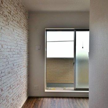 窓が大きくて明るいんです。※写真は3階の同タイプのもの