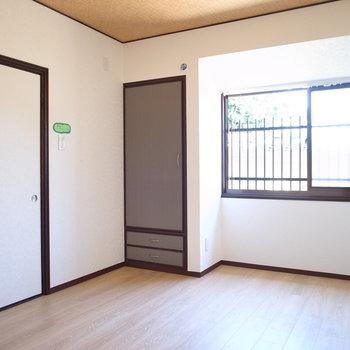 【1F洋室】こちらは使い勝手のいい空間に。