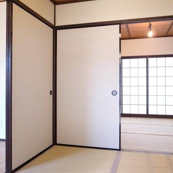 【1F客間】玄関を上がってすぐには客間が!