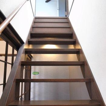階段は登りやすい角度でした。