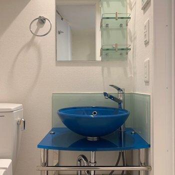 洗面台の可愛らしいこと!(※写真は6階の同間取り別部屋のものです)