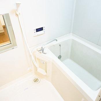お風呂は追い焚き付きで湯冷めしにくい。