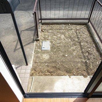 LDKの外側にはなんと専用庭付き。