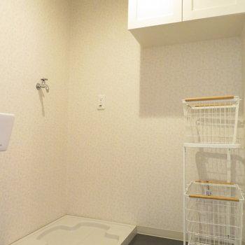 洗濯機置き場の横にもスペースがあるのはありがたい