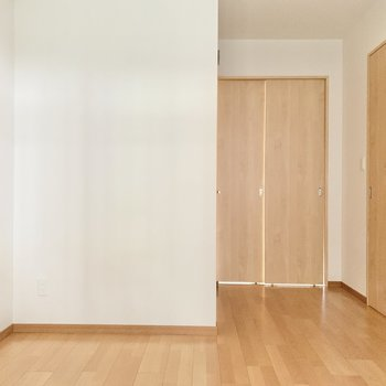 【洋室】ゆったりと落ち着く空間がつくれそうです。