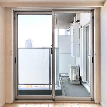 ぐっと窓に近づいてみました。開放感がありますね。