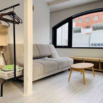 家具は備え付けです。やさしいトーンでお部屋にもぴったり