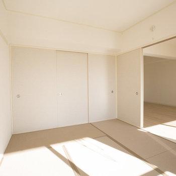 日当たりがよく、畳が暖かいので子どもたちが遊ぶスペースにもぴったりです。